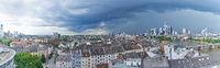 Frankfurt am Main Skyline Panorama bei Unwetter