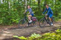 Radfahrer mit Bewegungsunschärfe