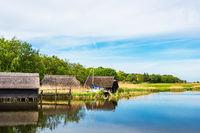 Bootshäuser auf dem Bodden auf dem Fischland-Darß in Prerow