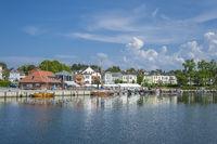 Hafen mit Stadtansicht in Neustadt in Holstein