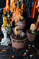 Gruseliges Dessert fuer Halloween
