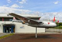 Altes Kampfflugzeug De Havilland Vampire FB.6 der Schweizer Luftwaffe, Payerne, Schweiz