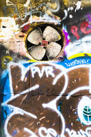 ventilator in grafittiwand