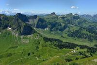 Bregenzerwald; Blick von der Kanisfluh zur Damuelser Mittagsspitze
