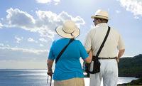Rentnerpaar im Urlaub
