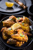 Spicy chicken wings with garlic