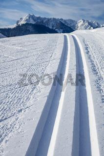 Langlaufspuren im Winter