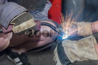 Facharbeiter beim Autogenschweißen - Nahaufnahme