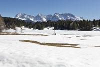 Geroldsee (Wagenbrüchsee) im Frühling mit Karwendelblick