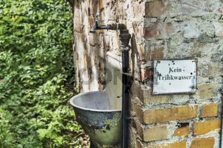 Kein Trinkwasser   No drinking water