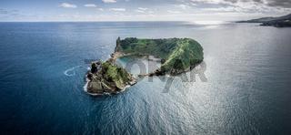 Kleine Insel von Vila Franca do Campo auf den Azoren bei Sao Miguel