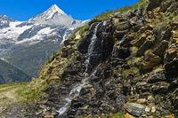 Wasserfall vor dem Weisshorn