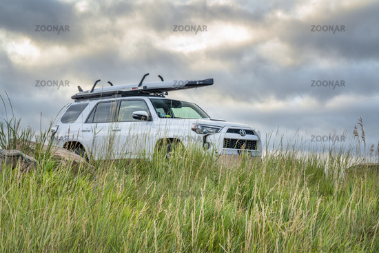 Toyota 4runner with stand up paddleboard