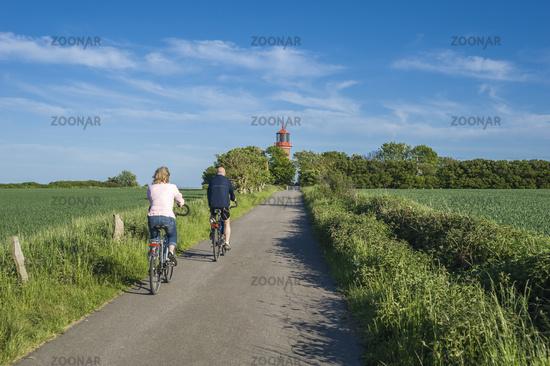 Leuchtturm an der Steilküste Staberhuk auf der Insel Fehmarn