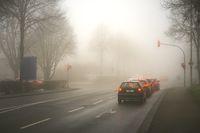 Kreuzung im Nebel