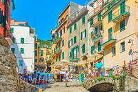 Walking people in Riomaggiore