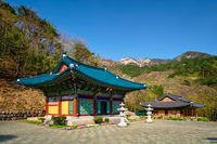 Sinheungsa temple in Seoraksan National Park, Soraksan, South Korea