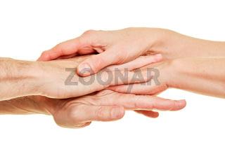 Viele Hände als Stapel als Netzwerk Kooperation