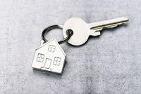 Schlüssel mit Haus als Schlüsselanhänger