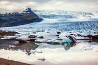 Glacier provides water Ice Lagoon Jokulsarlon
