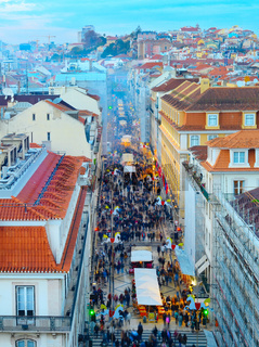 Crowd, Old Town street, Lisbon