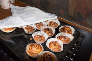 Frisch gebacken schwedische Zimtschnecken