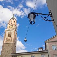 Turm der St.-Nikolaus-Kirche in Meran, Südtirol