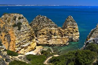 Felsformationen am Camilo Strand, Praia do Camilo, Lagos, Algarve, Portugal