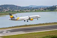 Flugzeug landet auf Korfu