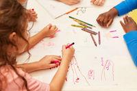 Kinder zeichnen kreative Fantasie Bilder