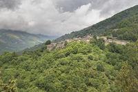 Das kleine Bergdorf Sablieres in der Ardeche, Frankreich