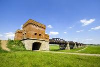 Ruinen der ehemaligen ElbbrŸcke Dšmitz, Niedersachsen, Deutschland