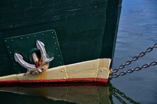 Schiif im Hafen