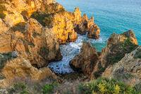 Kalksteinfelsen nahe Lagos, Portugal, Europa