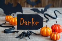 Black Label, Text Danke Means Thank You, Scary Halloween Decoration