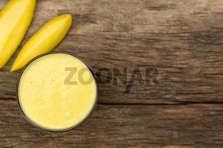 Refreshing Mango and Yogurt Smoothie