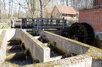 Fischtreppe und Mühlrad - historische Woltersburger Mühle an der Wipperau