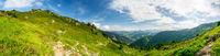 Panorama Landschaft in den Bergen der Alpen