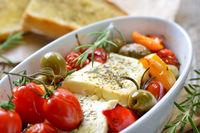 Gebackener Feta-Käse mit Gemüse