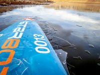 stand up paddleboardi n ice