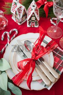 Festliches Tischgedeck zu Weihnachten