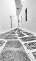 Perspective of a narrow street in Mykonos