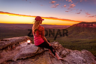Watching sunset from clifftops in Blue Mountains