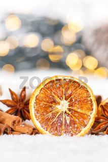 Weihnachten Weihnachtsdeko Weihnachtsdekoration Hochformat Orange Dekoration Winter Schnee