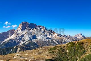 Blick über den Strudelkopfsattel auf die Hohe Gaisl, Dolomiten, Suedtirol