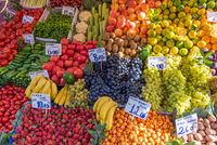 Früchte und Gemüse auf einem Markt