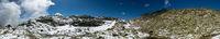 Panorama Landschaft mit Schnee im Gebirge der Alpen