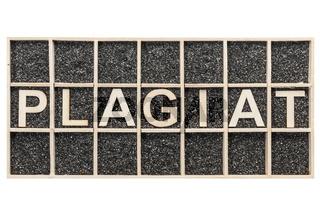 Word PLAGIAT on black side by side