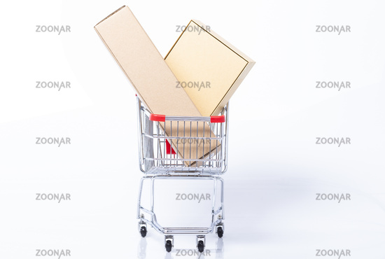 Gefüllter Einkaufswagen