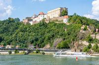Ship below the fortress of Passau